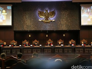 MK: Wewenang Rumusan Pidana LGBT di Tangan DPR-Presiden