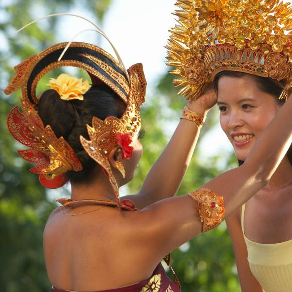 Menpar Jawab Isu Wisata Bali Dijual Murah ke Turis China