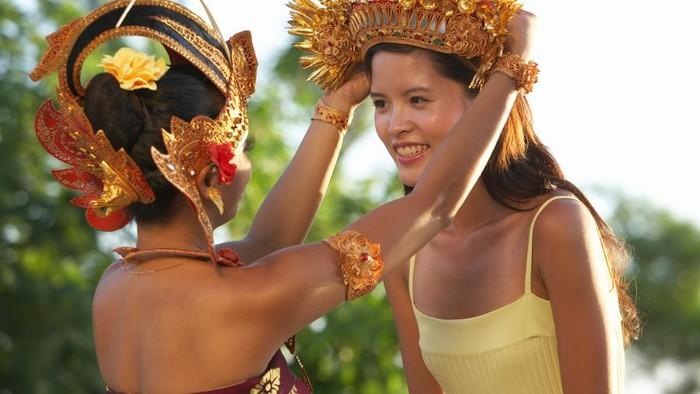 Turis China yang datang ke Bali