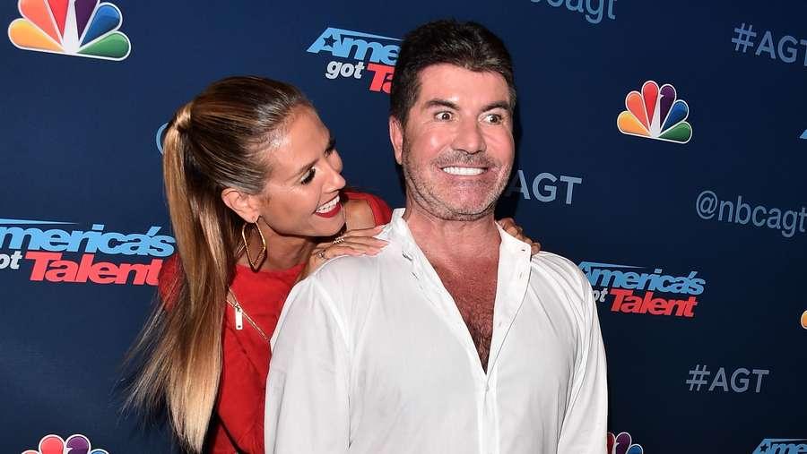 Aww, Heidi Klum Cium-cium Simon Cowell