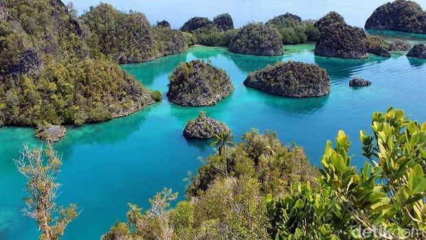 Gugusan pulau karang di Pianemu