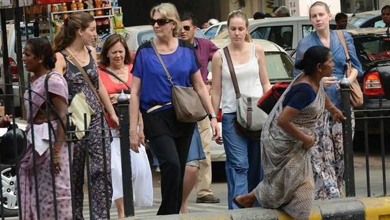 Menteri kebudayaan India larang turis asing memakai rok pendek