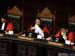 Lempar Aturan Batas Usia Perkawinan ke DPR, MK Dipertanyakan