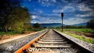 Sedih, Penumpang Depresi Ajak Anaknya Lompat ke Rel Kereta