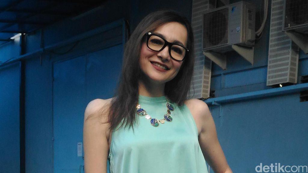 1,5 Tahun Pacari Bule, Dewi Rezer Sempat Bohong soal Profesi Kerja