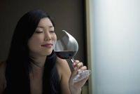 Yummy! Lipstik dan Maskara Ini Dibuat dari Wine