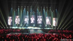 iKON Bikin Jatuh Cinta di MV Love Scenario