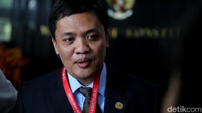 Kenang Era Soeharto, Habiburokhman Beli Sepatu dari Pungut Cengkeh