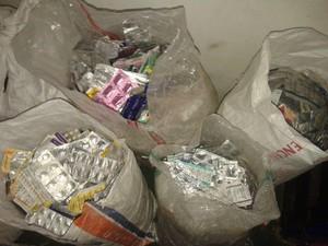Polisi Bongkar Peredaran Obat Kedaluwarsa di Pasar Pramuka