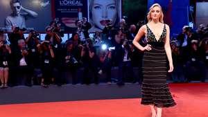 Sophie Turner Buat Mata Lelaki Tak Berkedip