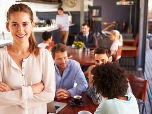 Jangan Bingung, Ini Cara Mudah Pilih Baju yang Tepat untuk Interview Kerja