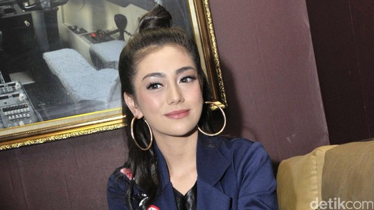 Rambut Cepol Celine Evangelista, Yay or Nay?