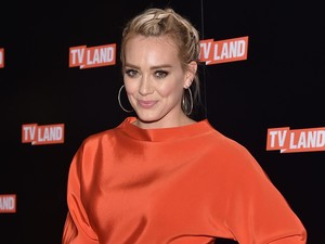 Hilary Duff Ungkap Terpapar COVID-19 saat Hamil Anak Ketiga