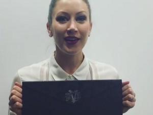 Kat Von D Rilis Lipstik Dalam Amplop yang Dijual Rp 3 Jutaan