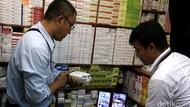 Melihat Kios-kios di Pasar Pramuka yang Tutup