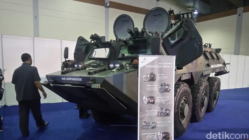 Panser Amfibi Made in Bandung Mejeng di IBD Expo 2016