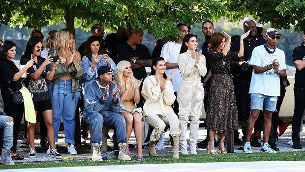 Kylie Jenner Jadi Orang Terkaya ke-2 Setelah Kim Kardashian