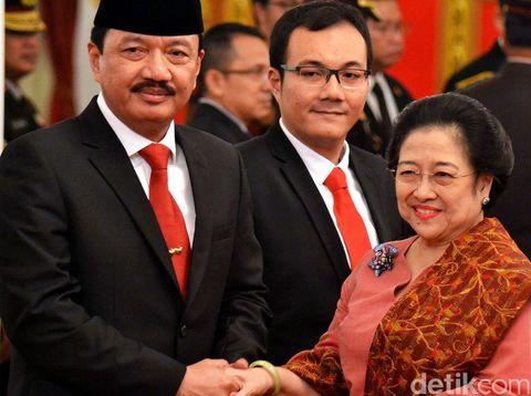 Budi Gunawan resmi menjadi Kepala Badan Intelijen Negara (BIN). Pelatikan dilakukan oleh Presiden Joko Widodo di Istana Negara, Jumat (9/9/2016).