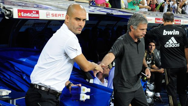 Mourinho pernah sukses mengakhiri dominiasi Barcelona di bawah Guardiola.