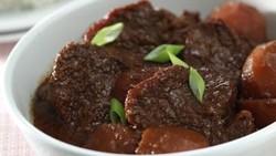 Cara Memasak Semur Daging yang Empuk dan Gurih Manis