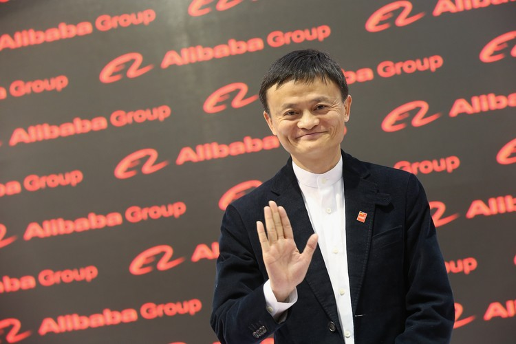 NEW YORK, NY - SEPTEMBER 29: Jack Ma, Executive Chairman of Alibaba Group smiles on stage at the closing session of the Clinton Global Initiative 2015 on September 29, 2015 in New York City.  (Photo by JP Yim/Getty Images)
