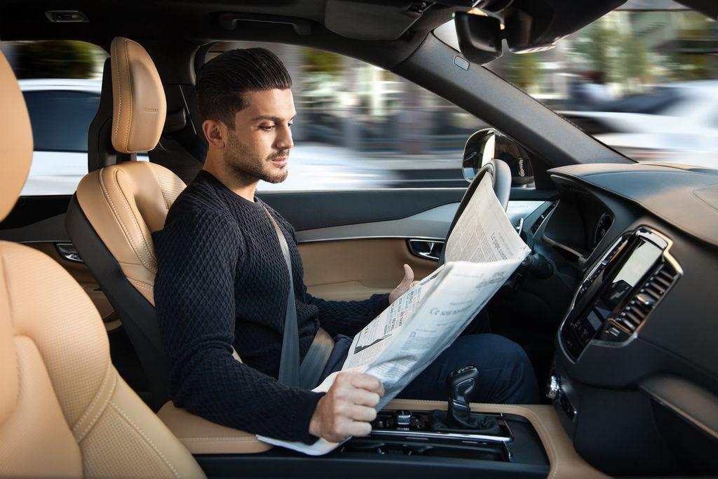 Volvo serius kembangkan mobil autonomous.