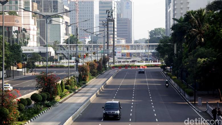 Hari Raya Idul Adha, kondisi lalu lintas di Jakarta terpantau sepi, Senin (12/9/2016). Tak ada kepadatan lalu lintas seperti hari biasa.