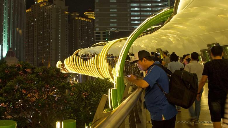 Foto: Jembatan Eco Skywalk yang belum lama ini diresmikan (Randy/detikTravel)