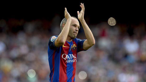 Andres Iniesta masih berharap Barcelona kembali mendatangkan Neymar. (