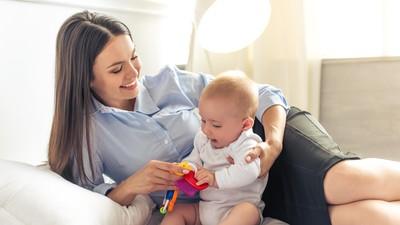 Cerita Ibu yang Selalu Mencuci Mainan Anaknya Setelah Dipakai