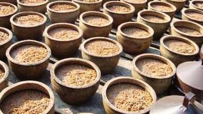 Tauco Dan Oncom Produk Tradisional Hasil Fermentasi Kacang Kacangan