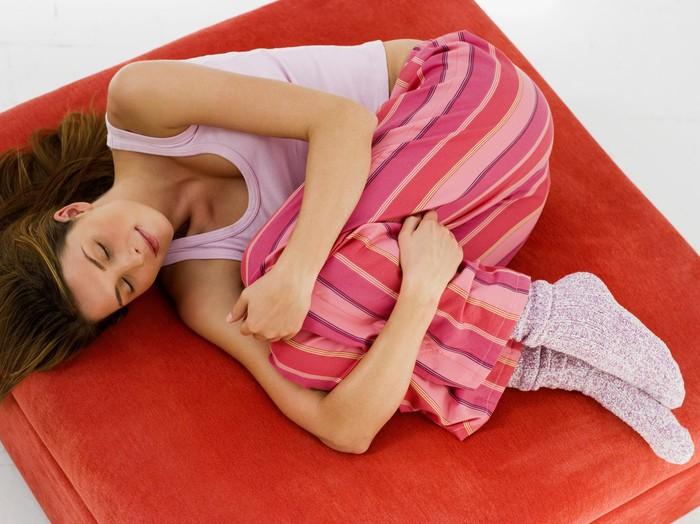 Posisi Tidur yang Tepat Saat Menstruasi 56426e3039