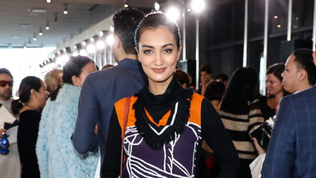 Atiqah Hasiholan Hingga Pevita Pearce Eksis & Modis di New York Fashion Week