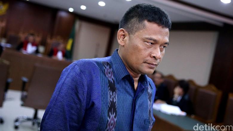 PNS Pengadilan Bergaji Rp 8 Juta Itu Dikawal Voorijder dan Mobil Patwal