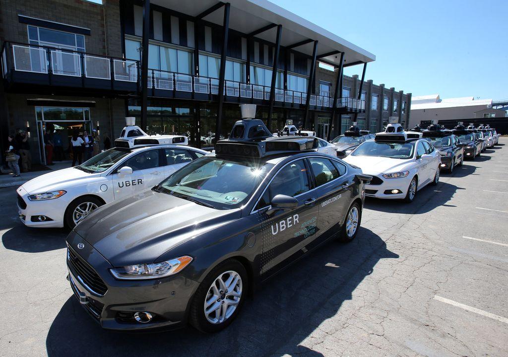 Uber resmi menghadirkan mobil tanpa sopir di jalanan kota Pittsburgh, Pennsylvania, Amerika Serikat. Foto: Reuters