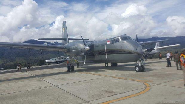 Foto: Pesawat berjenis DHC-4T Turbo Caribou milik Pemda Kabupaten Puncak (Istimewa)