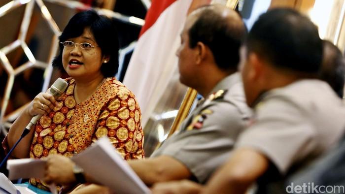 Tim Pencari Fakta (TPF) mengumumkan hasil investigasi soal testimoni Freddy Budiman di PTIK, Jakarta, Kamis (15/9/2016). Hasilnya, tidak ada aliran dana ke petinggi Polri seperti yang disebutkan Haris Azhar. Tetapi, ada temuan adanya aliran dana dari napi lain ke perwira menengah Polri.