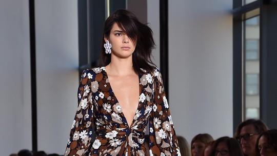 Kendall Jenner Sumringah di New York Fashion Week