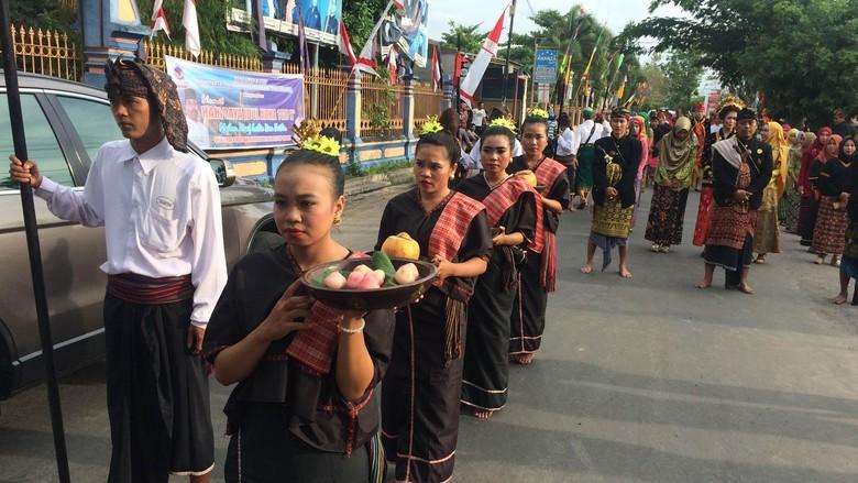 Tradisi Nyongkolan khas Sasak (Masaul/detikTravel)