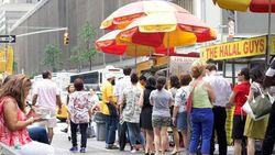 Puasa di New York, Coba Halal Guys Aja Buat Berbuka