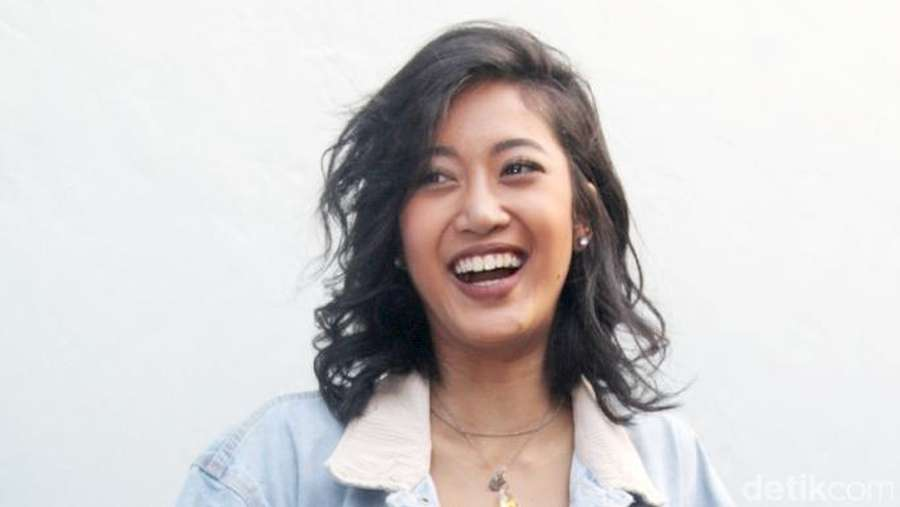 Tambah Mancung, Widi Vierratale Jadi Lebih Cantik?
