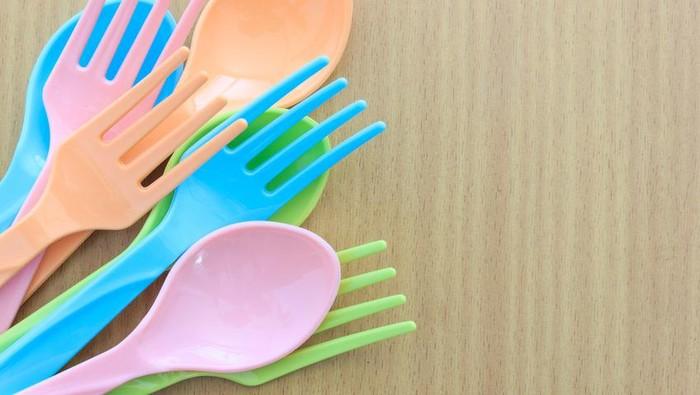 Gangguan hormon bukan hanya berasal dari masalah genetik ataupun dari makanan. Benda-benda yang kamu gunakan setiap hari juga bisa sebabkan gangguan hormon. Foto: iStock