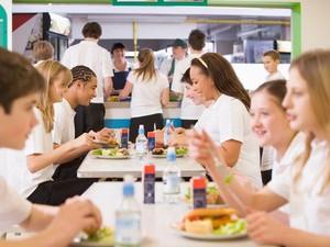 Agar Lebih Produktif, Lakukan 6 Hal Ini Saat Jam Makan Siang