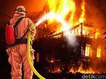 4 Unit Rumah Kontrakan Terbakar di Cipinang, Kerugian Rp 500 Juta