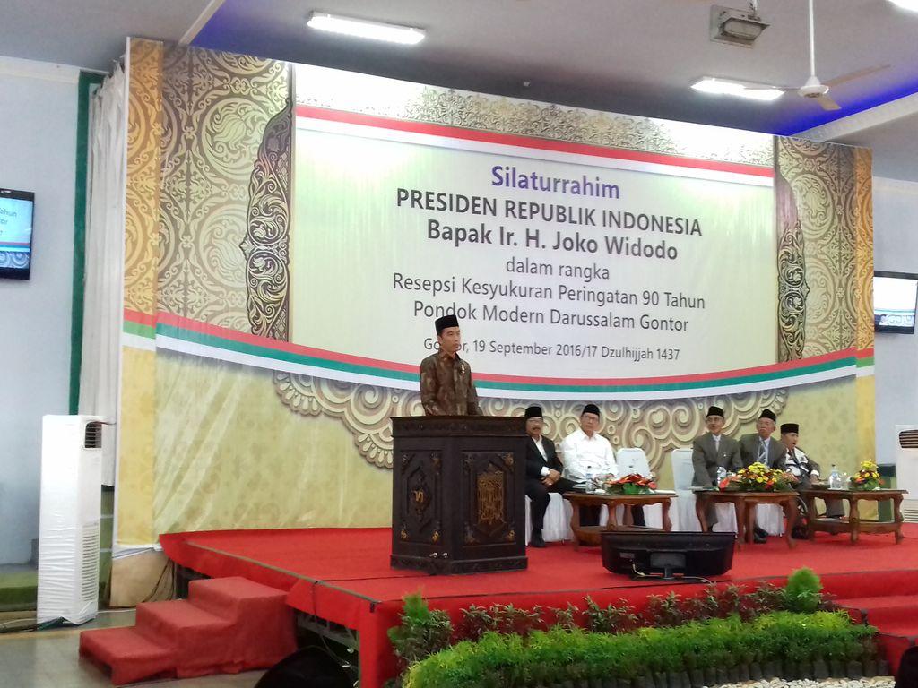 Jokowi di Gontor (Michico/detikcom)