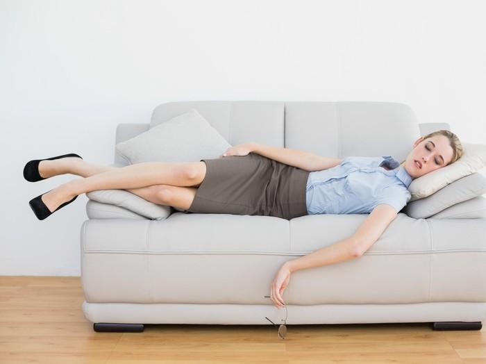 Bermalas-malasan adalah salah satu kesalahan saat tidur siang yang buat jadi tidak bermanfaat. Foto: thinkstock