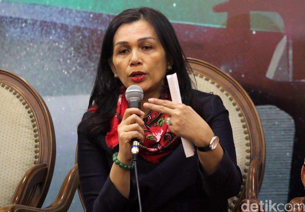 Liestyana Rizal Gusman membantah suaminya tertangkap tangan menerima suap (Lamhot Aritonang/detikFoto)