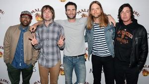Sambut Musim Panas, Maroon 5 Suguhkan Reggae di Three Little Birds