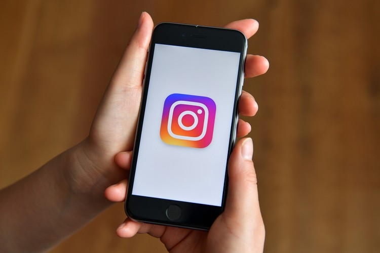 LONDON, ENGLAND - AUGUST 03:  The Instagram logo is displayed within the opened app on an iPhone on August 3, 2016 in London, England.  (Photo by Carl Court/Getty Images)