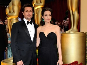 10 Kisah Cinta Selebriti Internasional Paling Dramatis di 2016